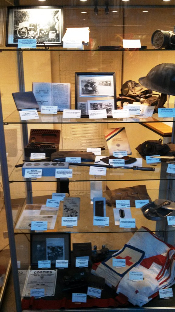 Main gallery WWI artifacts display